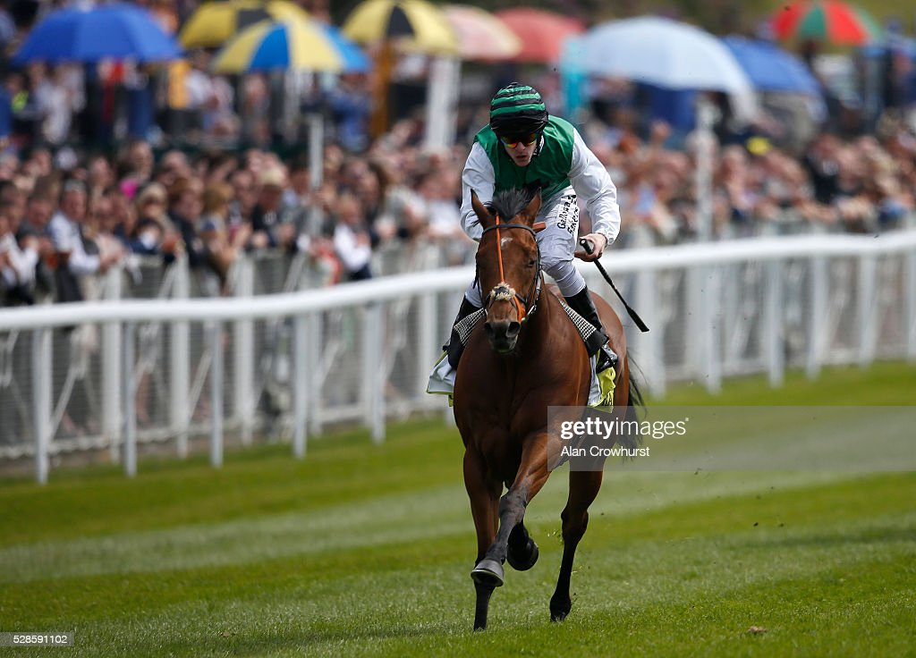 Richard Kingscote riding Hillbilly Boy win The Crabbie's Earl Grosvenor Handicap Stakes at Chester racecourse on May 6, 2016 in Chester, England.