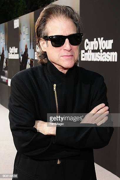 Richard Lewis arrives at the Paramount Theater on the Paramount Studios lot on September 15 2009 in Hollywood California HBO's Premiere Of 'Curb Your...