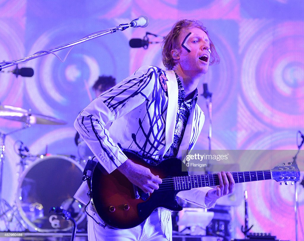 <a gi-track='captionPersonalityLinkClicked' href=/galleries/search?phrase=Richard+Reed+Parry&family=editorial&specificpeople=2963292 ng-click='$event.stopPropagation()'>Richard Reed Parry</a> of Arcade Fire performs during the North American return of their Reflektor Tour at Shoreline Amphitheatre on July 30, 2014 in Mountain View, California.
