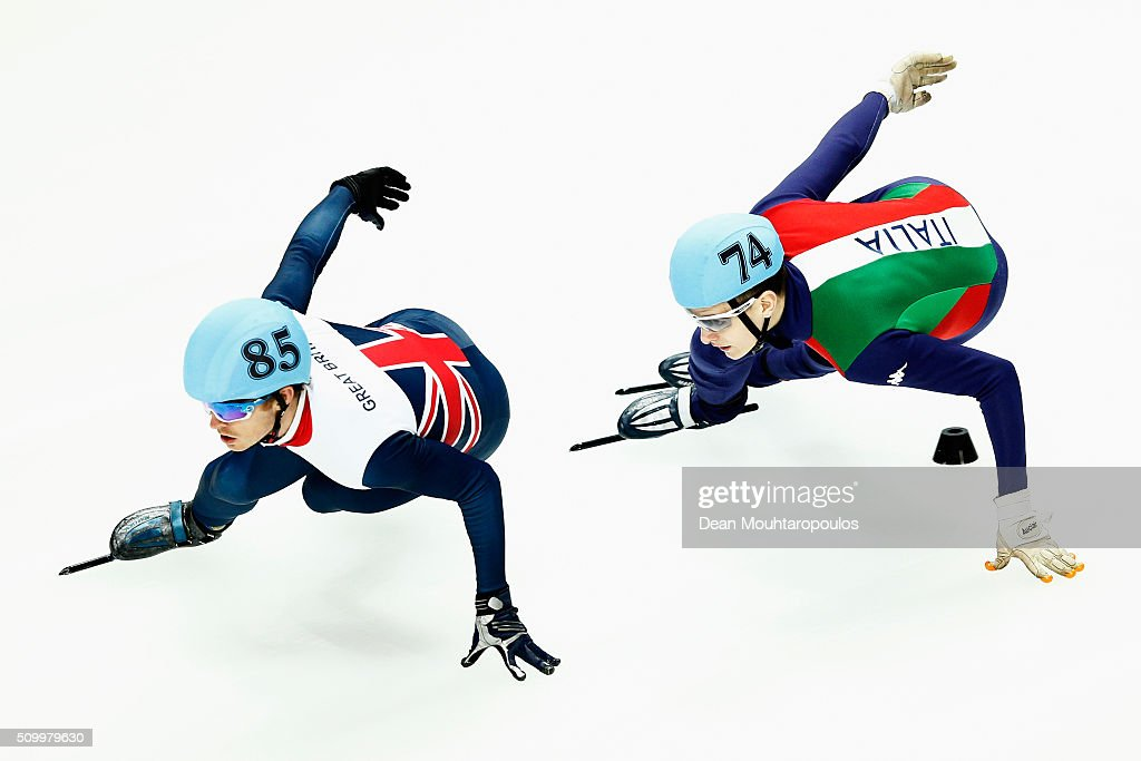 <a gi-track='captionPersonalityLinkClicked' href=/galleries/search?phrase=Richard+Shoebridge&family=editorial&specificpeople=9002461 ng-click='$event.stopPropagation()'>Richard Shoebridge</a> (L) of Great Britain and Andrea Cassinelli of Italy compete in the Mens 1000m Quarter Final during ISU Short Track Speed Skating World Cup held at The Sportboulevard on February 13, 2016 in Dordrecht, Netherlands.