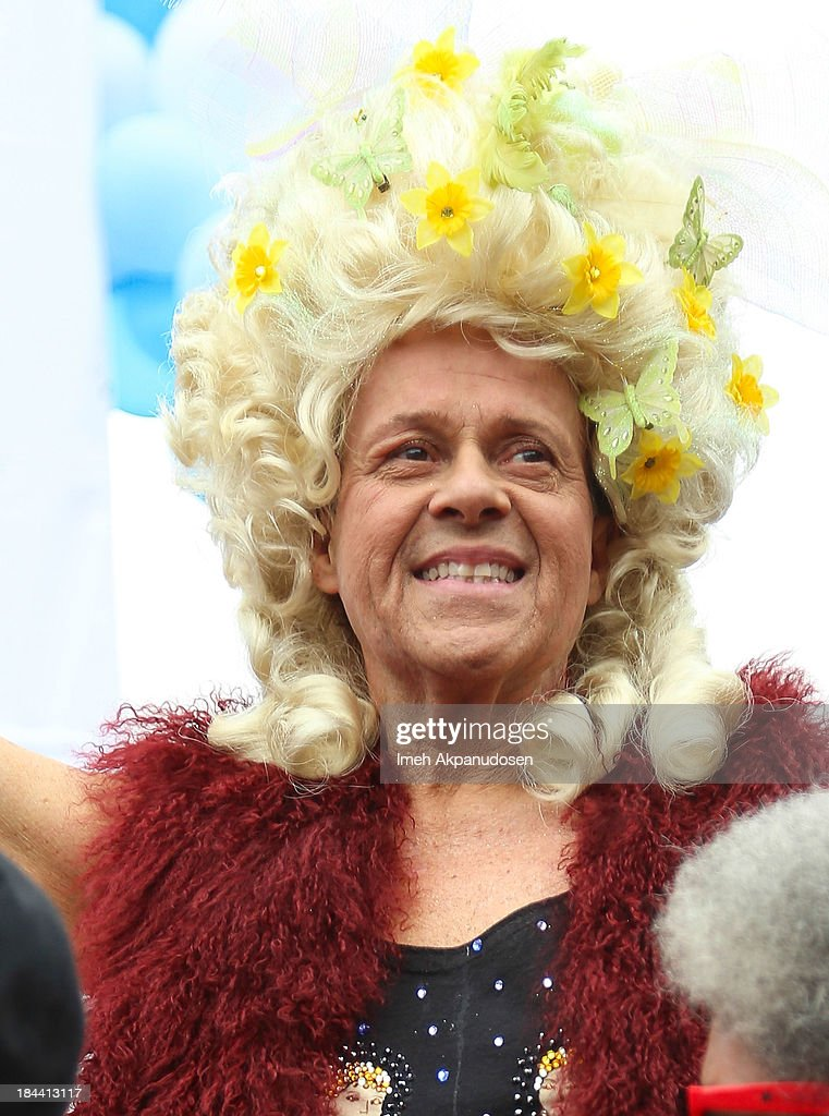 <a gi-track='captionPersonalityLinkClicked' href=/galleries/search?phrase=Richard+Simmons&family=editorial&specificpeople=228501 ng-click='$event.stopPropagation()'>Richard Simmons</a> attends the 29th Annual AIDS Walk LA on October 13, 2013 in West Hollywood, California.