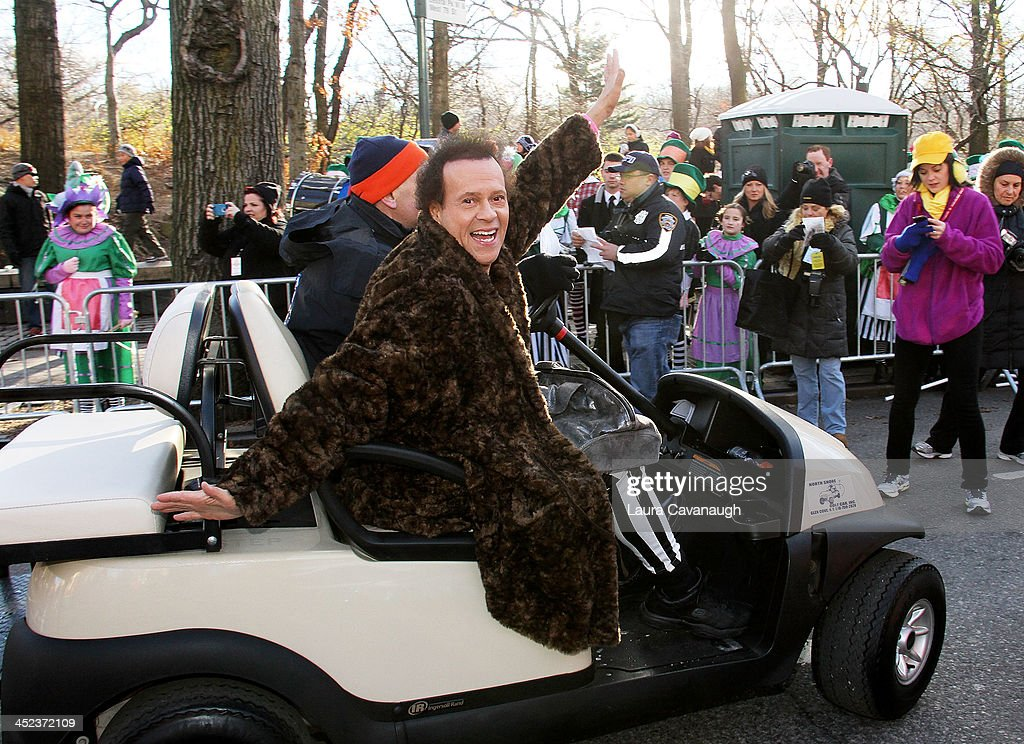 <a gi-track='captionPersonalityLinkClicked' href=/galleries/search?phrase=Richard+Simmons&family=editorial&specificpeople=228501 ng-click='$event.stopPropagation()'>Richard Simmons</a> attends the 87th Annual Macy's Thanksgiving Day Parade on November 28, 2013 in New York City.