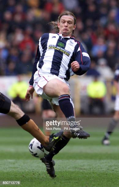 Richard Sneekers of WBA in a league match season 200001 THIS PICTURE CAN ONLY BE USED WITHIN THE CONTEXT OF AN EDITORIAL FEATURE NO UNOFFICIAL CLUB...