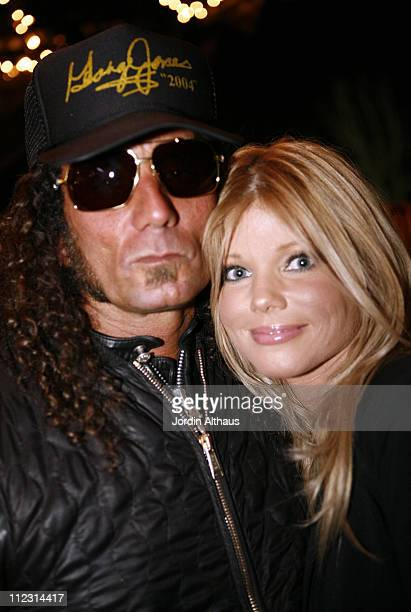Richard Stark and Donna D'Errico during Grand Opening of Optical Shop of Aspen in Malibu March 15 2007 at Optical Shop of Aspen in Malibu California...