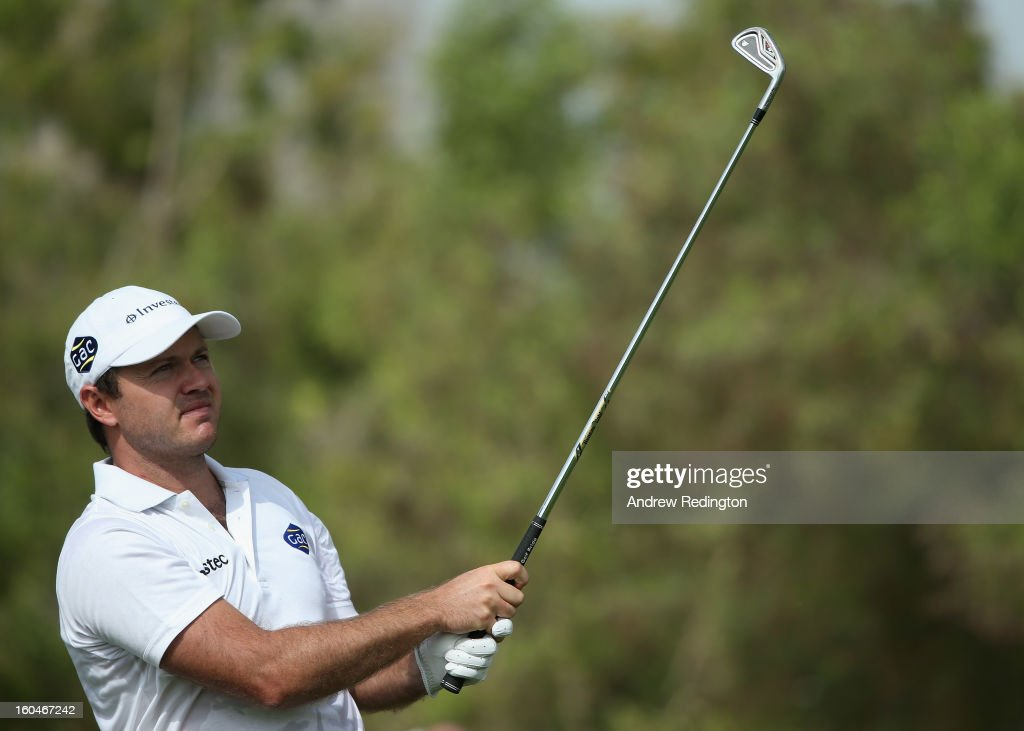 Richard Sterne of South Africa in action during the second round of the Omega Dubai Desert Classic at Emirates Golf Club on February 1, 2013 in Dubai, United Arab Emirates.