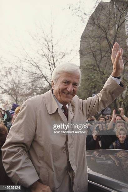 Richard von Weizsäcker President of the Federal Republic of Germany in Potsdamer Platz Berlin during the dismantling of the Berlin Wall 11th November...