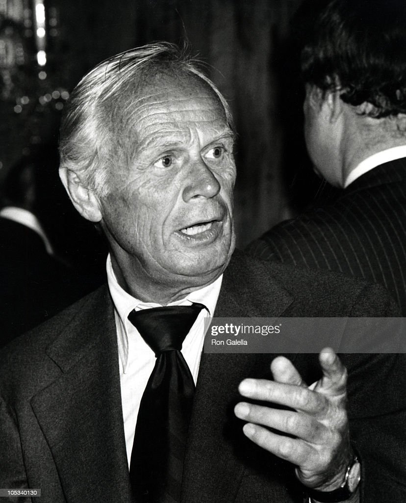 <a gi-track='captionPersonalityLinkClicked' href=/galleries/search?phrase=Richard+Widmark&family=editorial&specificpeople=221700 ng-click='$event.stopPropagation()'>Richard Widmark</a> during Amnesty International Benefit, 1977 at Tavern on the Green in New York City, New York, United States.