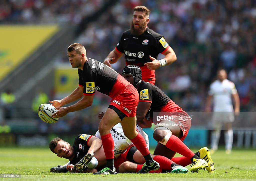 <a gi-track='captionPersonalityLinkClicked' href=/galleries/search?phrase=Richard+Wigglesworth&family=editorial&specificpeople=553815 ng-click='$event.stopPropagation()'>Richard Wigglesworth</a> of Saracens passes the ball during the Aviva Premiership final match between Saracens and Exeter Chiefs at Twickenham Stadium on May 28, 2016 in London, England.