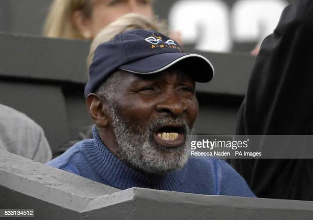 Richard Williams watches his daughter USA's Venus Williams in action against Russia's Svetlana Kuznetsova during The All England Lawn Tennis...