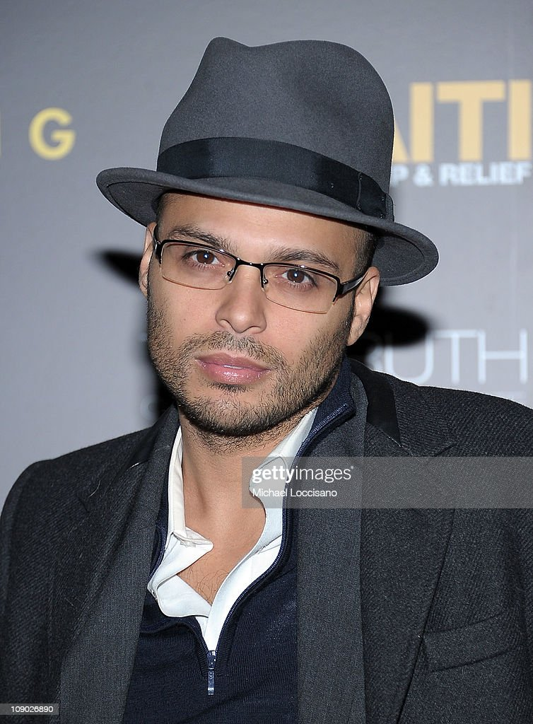 Richie Akiva arrives at the HELP HAITI benefiting The Ben Stiller Foundation and The J/P Haitian Relief Organization at the Urban Zen Center At...
