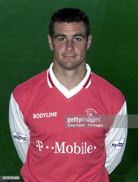 Richie Barker of Rotherham utd2002/2003 SEASON THIS PICTURE CAN ONLY BE USED WITHIN THE CONTEXT OF AN EDITORIAL FEATURE NO UNOFFICIAL CLUB WEBSITE USE