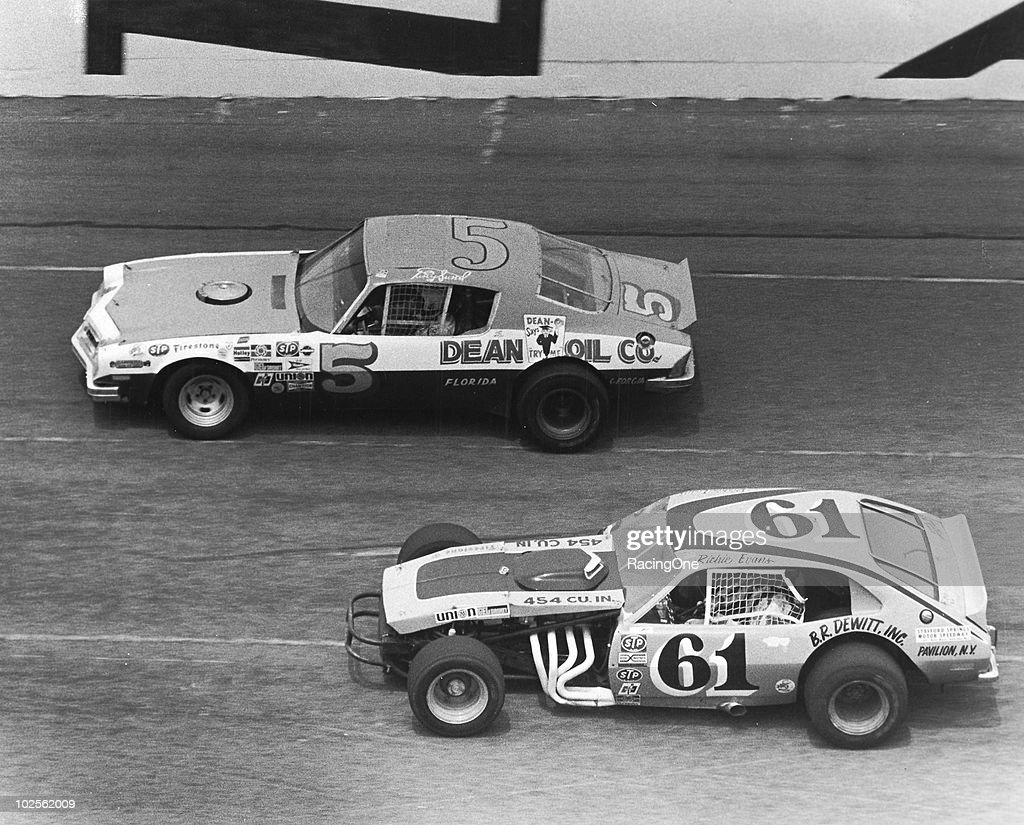 Richie Evans participated in the very first NASCAR Modified race at Daytona held on the road course, and finished 14th in a Õ72 Ford Pinto-bodied car.
