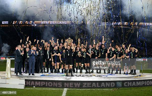 Richie McCaw of New Zealand lifts the trophy during the 2015 Rugby World Cup Final match between New Zealand and Australia at Twickenham Stadium on...
