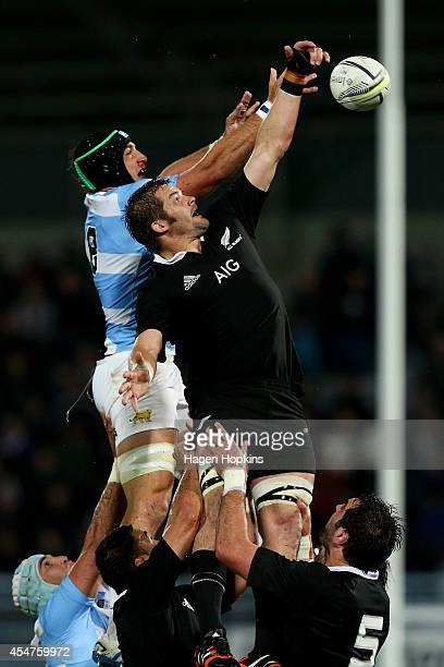 Richie McCaw of the All Blacks and Leonardo Senatore of Argentina compete for a lineout ball during The Rugby Championship match between the New...