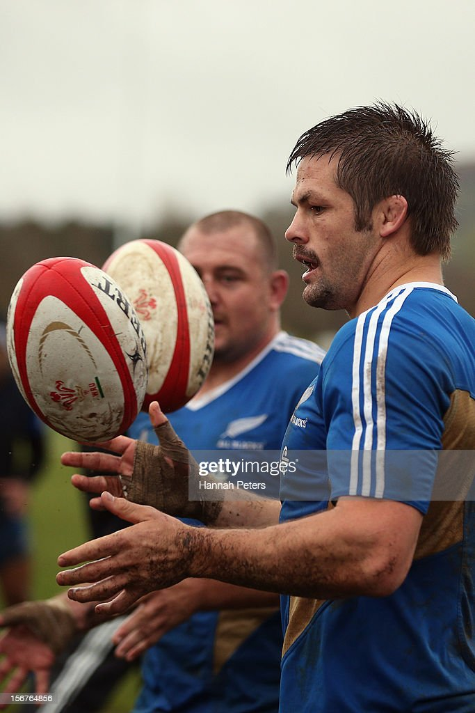 <a gi-track='captionPersonalityLinkClicked' href=/galleries/search?phrase=Richie+McCaw&family=editorial&specificpeople=165235 ng-click='$event.stopPropagation()'>Richie McCaw</a> of the All Blacks runs through drills during a training session at the University of Glamorgan training fields on November 20, 2012 in Cardiff, Wales.
