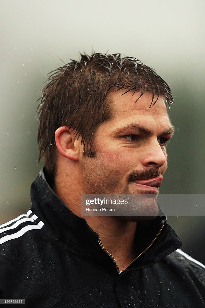 <a gi-track='captionPersonalityLinkClicked' href=/galleries/search?phrase=Richie+McCaw&family=editorial&specificpeople=165235 ng-click='$event.stopPropagation()'>Richie McCaw</a> of the All Blacks warms up during a training session at the University of Glamorgan training fields on November 20, 2012 in Cardiff, Wales.