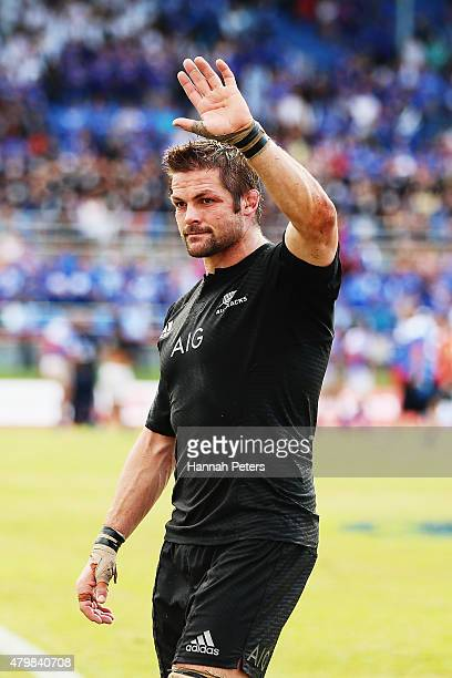 Richie McCaw of the New Zealand All Blacks thanks the crowd after winning the International Test match between Samoa and the New Zealand All Blacks...