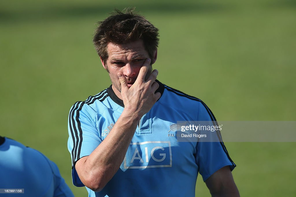 <a gi-track='captionPersonalityLinkClicked' href=/galleries/search?phrase=Richie+McCaw&family=editorial&specificpeople=165235 ng-click='$event.stopPropagation()'>Richie McCaw</a>, the All Black captain, looks on during the New Zealand All Blacks training session held at Wits University on October 3, 2013 in Johannesburg, South Africa.