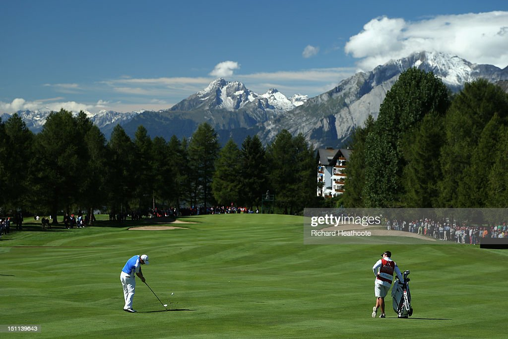 Richie Ramsay of Scotland plays into the 1st green during the final round of the Omega European Masters at Crans-sur-Sierre Golf Club on September 2, 2012 in Crans, Switzerland.