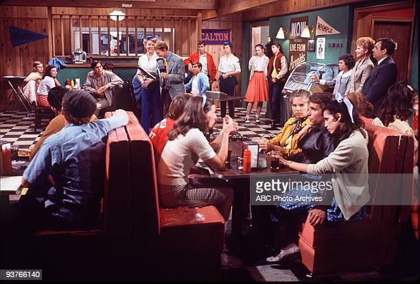 DAYS 'Richie's Flip Side' Season Two 3/18/75 Richie is forced into being a disc jockey at a local radio station when one suddenly quits His boss...