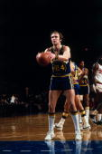 Rick Barry of the Golden State Warriors prepares to shoot a free throw against the Milwaukee Bucks during the 1976 season at the MECCA Arena in...