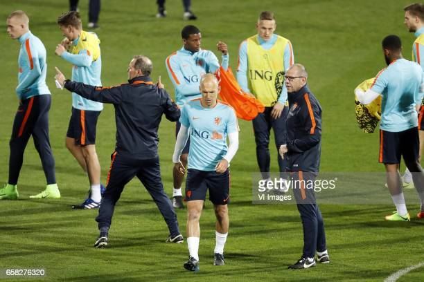 Rick Karsdorp of Holland Matthijs de Ligt of Holland coach Danny Blind of Holland Georginio Wijnaldum of Holland Arjen Robben of Holland Jens...