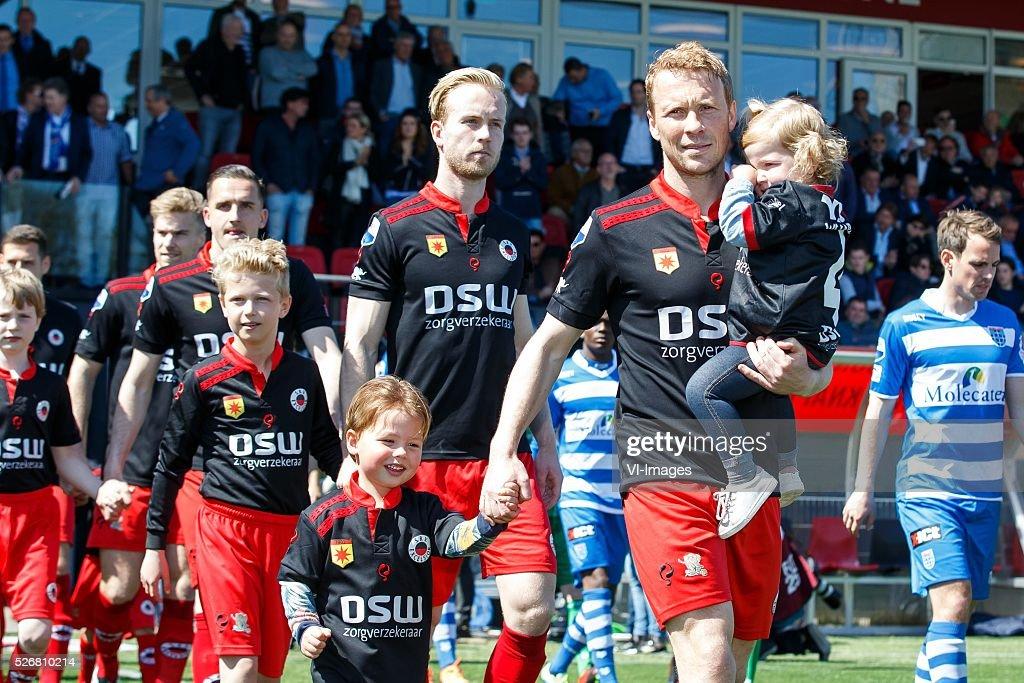 Rick Kruys of Excelsior met zijn kinderen in zijn laatste thuiswedstrijd voor Excelsior. during the Dutch Eredivisie match between Excelsior Rotterdam and PEC Zwolle at Woudenstein stadium on May 01, 2016 in Rotterdam, The Netherlands