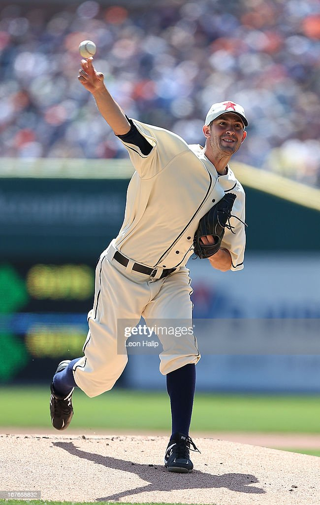Rick Porcello #21 of the Detroit Tigers pitches in the first inning during the game against the Atlanta Braves at Comerica Park on April 27, 2013 in Detroit, Michigan.