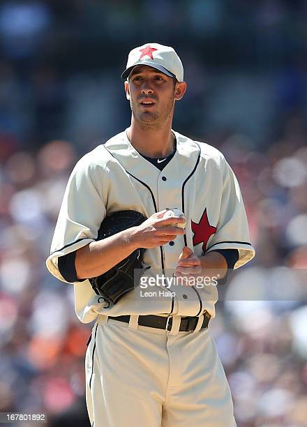 Rick Porcello of the Detroit Tigers pitches in the third inning during the game against the Atlanta Braves at Comerica Park on April 27 2013 in...