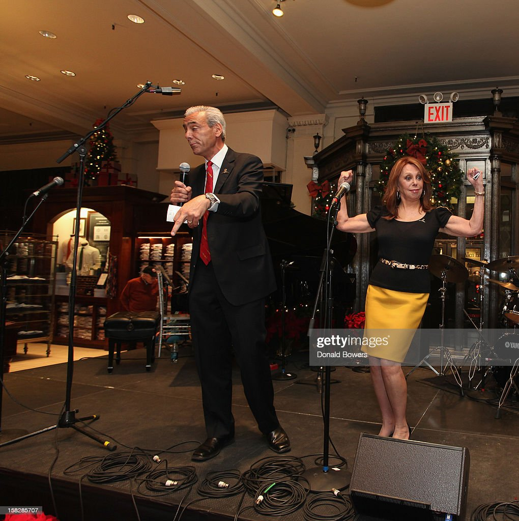 Rick Shadyal introduces Marlo Thomas during The Brooks Brothers Hosts Seventh Annual Holiday Celebration To Benefit St Jude Children's Research Hospital on December 12, 2012 in New York City.