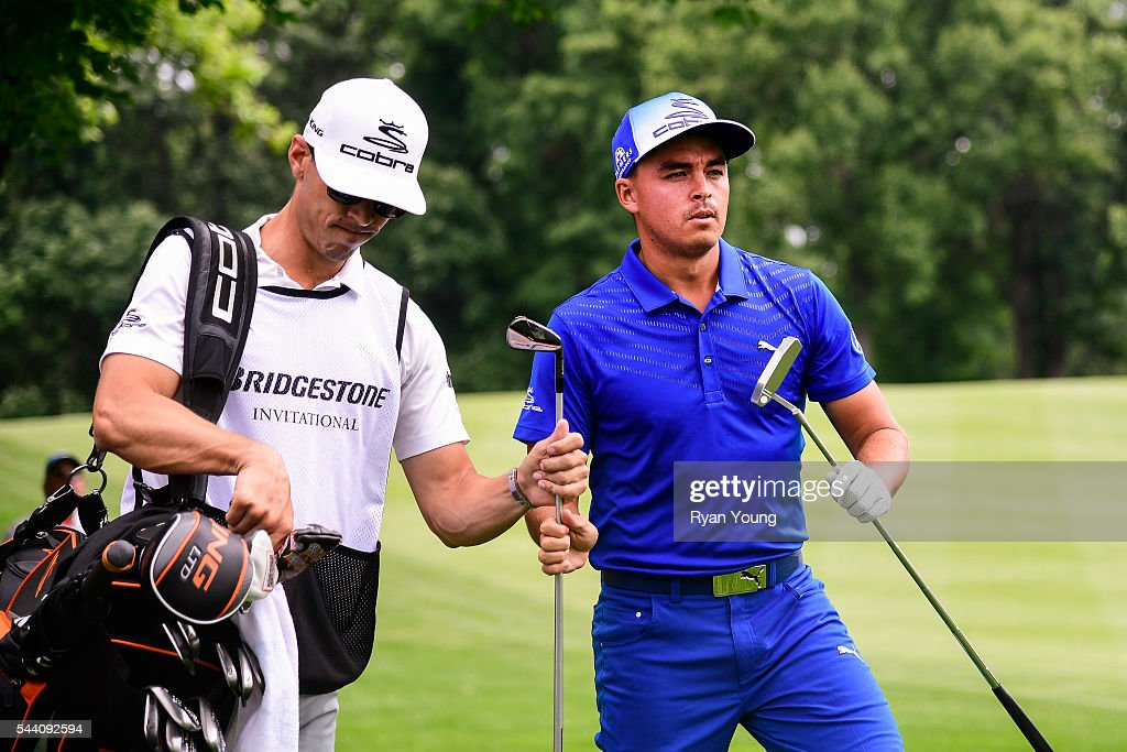 <a gi-track='captionPersonalityLinkClicked' href=/galleries/search?phrase=Rickie+Fowler+-+Golfer&family=editorial&specificpeople=4466576 ng-click='$event.stopPropagation()'>Rickie Fowler</a> exchanges clubs with his caddy on the sixth hole during the second round of the World Golf Championships-Bridgestone Invitational at Firestone Country Club on July 1, 2016 in Akron, Ohio.