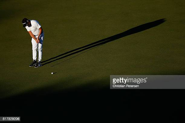 Rickie Fowler of the United States lines up a putt on the 16th green during the second round of the World Golf ChampionshipsDell Match Play at the...