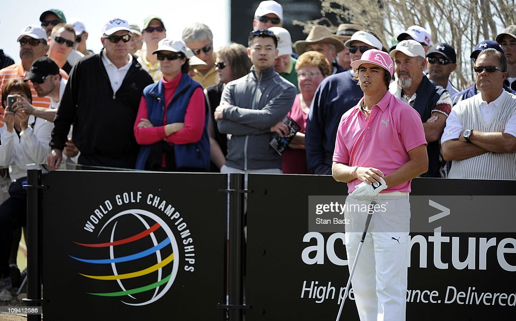 <a gi-track='captionPersonalityLinkClicked' href=/galleries/search?phrase=Rickie+Fowler+-+Golfer&family=editorial&specificpeople=4466576 ng-click='$event.stopPropagation()'>Rickie Fowler</a> waits to hit a tee shot from the eighth hole during the second round of the World Golf Championships-Accenture Match Play Championship at The Ritz-Carlton Golf Club, Dove Mountain on February 24, 2011 in Marana, Arizona.