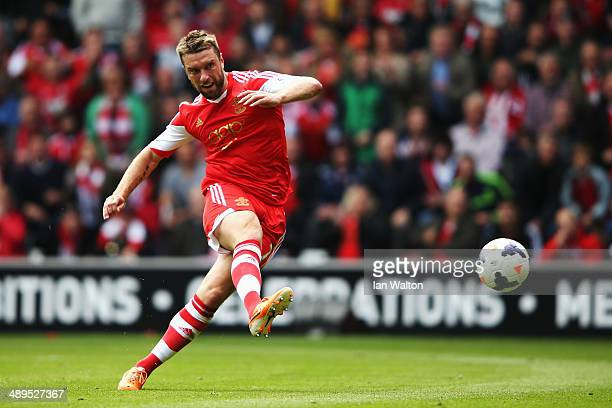 Rickie Lambert of Southampton shoots on goal during the Barclays Premier League match between Southampton and Manchester United at St Mary's Stadium...