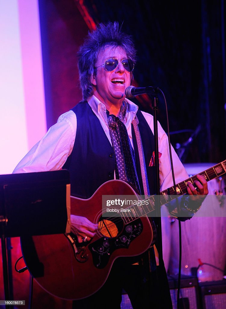 Ricky Byrd performs at The Cutting Room on January 25, 2013 in New York, New York.