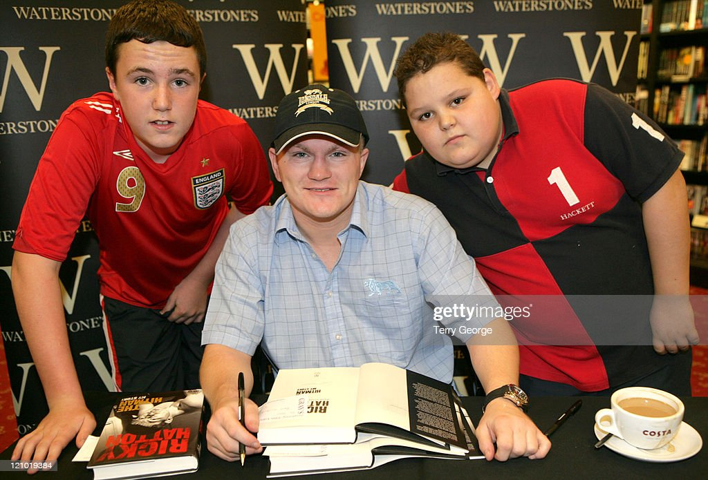 <a gi-track='captionPersonalityLinkClicked' href=/galleries/search?phrase=Ricky+Hatton&family=editorial&specificpeople=208674 ng-click='$event.stopPropagation()'>Ricky Hatton</a> during <a gi-track='captionPersonalityLinkClicked' href=/galleries/search?phrase=Ricky+Hatton&family=editorial&specificpeople=208674 ng-click='$event.stopPropagation()'>Ricky Hatton</a> Signs Copies of 'The Hitman' at Waterstones In Leeds at Waterstones in Leeds, Great Britain.