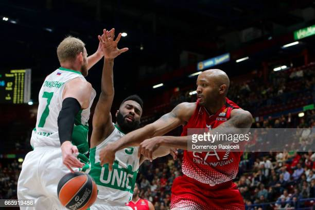Ricky Hickman #7 of EA7 Emporio Armani Milan competes with Keith Langford #5 of Unics Kazan during the 2016/2017 Turkish Airlines EuroLeague Regular...