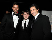 NEW YORK JUNE 13 Ricky Martin Daniel Radcliffe and Antonio Banderas in the green room at the 64th Annual Tony Awards at Radio City Music Hall on June...