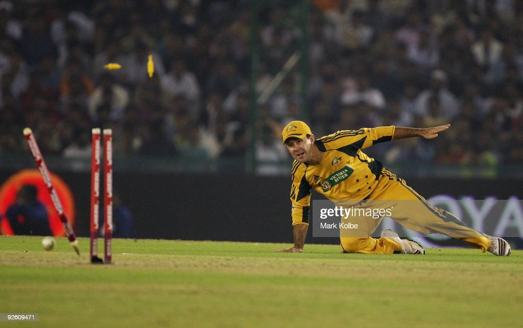 Ricky Ponting of Australia runs out Yuvraj Singh of India with a direct hit during the fourth One Day International match between India and Australia at Punjab Cricket Association Stadium on November 2, 2009 in Mohali, India.