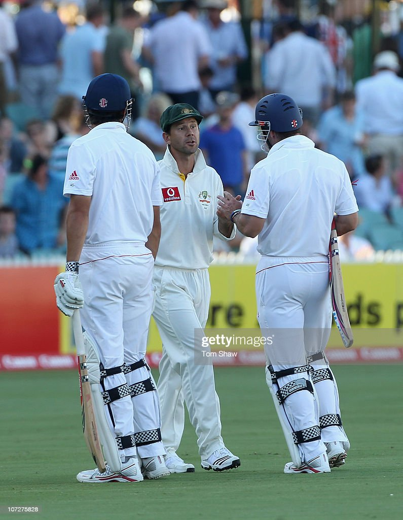 Ricky Ponting of Australia stops Andrew Strauss of England and has words with him at the end of the days play during day one of the Second Ashes Test match between Australia and England at Adelaide Oval on December 3, 2010 in Adelaide, Australia.