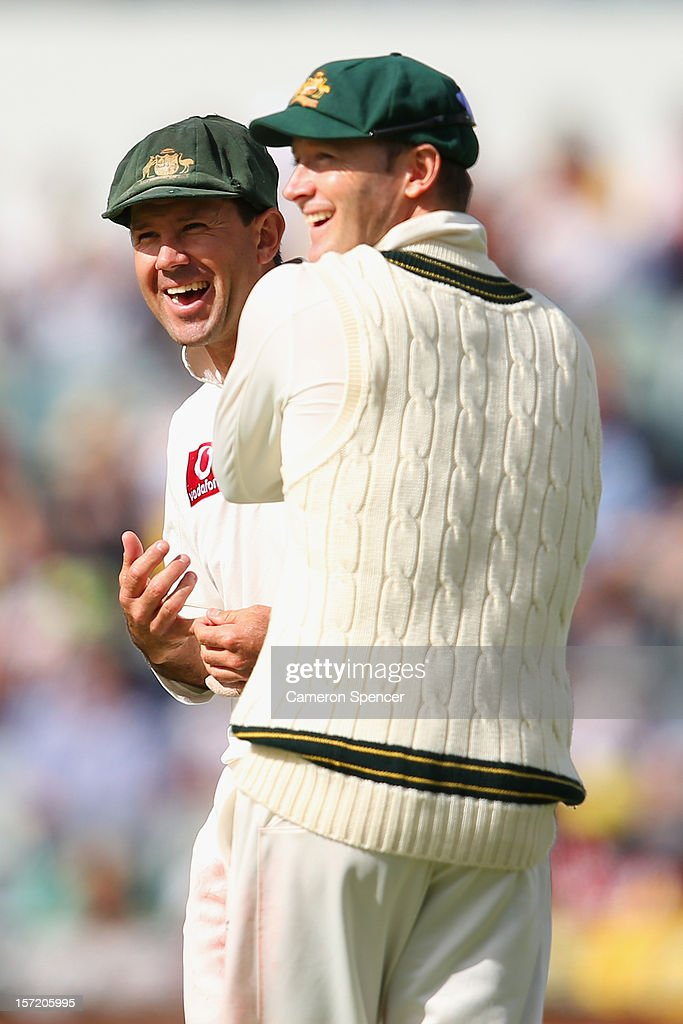 <a gi-track='captionPersonalityLinkClicked' href=/galleries/search?phrase=Ricky+Ponting&family=editorial&specificpeople=176564 ng-click='$event.stopPropagation()'>Ricky Ponting</a> (R) of Australia talks to captain Michael Clarke during day one of the Third Test Match between Australia and South Africa at the WACA on November 30, 2012 in Perth, Australia.
