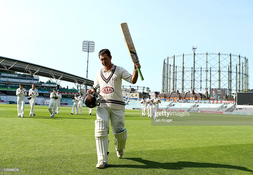<a gi-track='captionPersonalityLinkClicked' href=/galleries/search?phrase=Ricky+Ponting&family=editorial&specificpeople=176564 ng-click='$event.stopPropagation()'>Ricky Ponting</a> of Surrey acknowledges the crowd as he leaves the field during the LV County Championship match between Surrey and Nottinghamshire at The Kia Oval on July 11, 2013 in London, England.