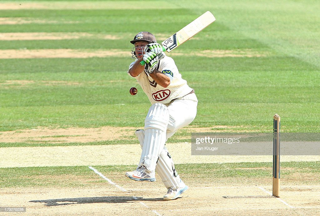 <a gi-track='captionPersonalityLinkClicked' href=/galleries/search?phrase=Ricky+Ponting&family=editorial&specificpeople=176564 ng-click='$event.stopPropagation()'>Ricky Ponting</a> of Surrey is struck on the box during the LV County Championship match between Surrey and Nottinghamshire at The Kia Oval on July 11, 2013 in London, England.