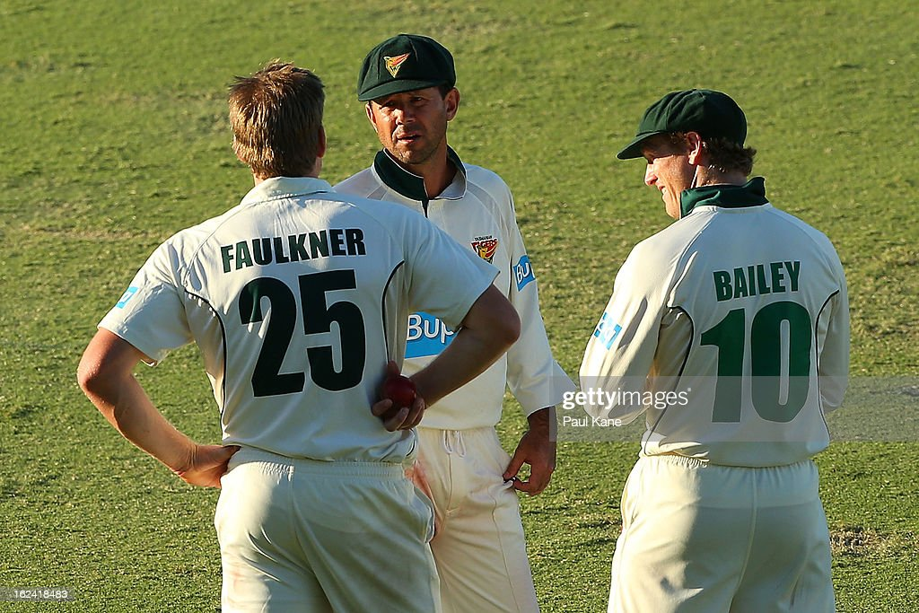 <a gi-track='captionPersonalityLinkClicked' href=/galleries/search?phrase=Ricky+Ponting&family=editorial&specificpeople=176564 ng-click='$event.stopPropagation()'>Ricky Ponting</a> of the Tigers talks with James Faulkner and George Bailey during day three of the Sheffield Shield match between the Western Australia Warriors and the Tasmania Tigers at WACA on February 23, 2013 in Perth, Australia.