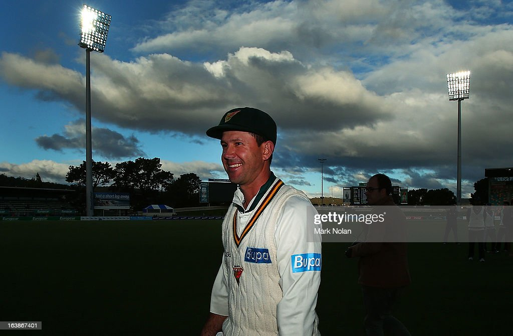 <a gi-track='captionPersonalityLinkClicked' href=/galleries/search?phrase=Ricky+Ponting&family=editorial&specificpeople=176564 ng-click='$event.stopPropagation()'>Ricky Ponting</a> of the Tigers walks from the field after day four of the Sheffield Shield match between the Tasmania Tigers and the Victoria Bushrangers at Blundstone Arena on March 17, 2013 in Hobart, Australia.