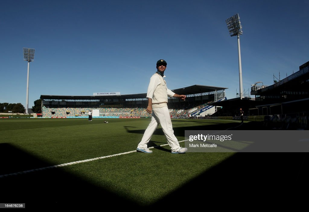 <a gi-track='captionPersonalityLinkClicked' href=/galleries/search?phrase=Ricky+Ponting&family=editorial&specificpeople=176564 ng-click='$event.stopPropagation()'>Ricky Ponting</a> of the Tigers walks from the field of play at the end of the second session on during day five of the Sheffield Shield final between the Tasmania Tigers and the Queensland Bulls at Blundstone Arena on March 26, 2013 in Hobart, Australia.