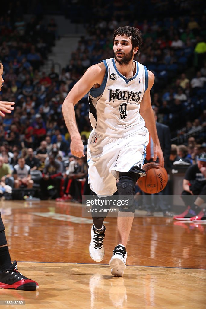 Ricky Rubio #9 of the Minnesota Timberwolves dribbles to the basket against the Chicago Bulls during the game on April 9, 2014 at Target Center in Minneapolis, Minnesota.