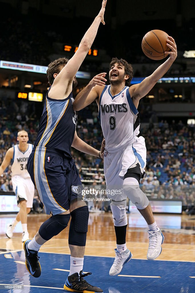 Ricky Rubio #9 of the Minnesota Timberwolves drives to the basket against the Memphis Grizzlies on March 30, 2013 at Target Center in Minneapolis, Minnesota.