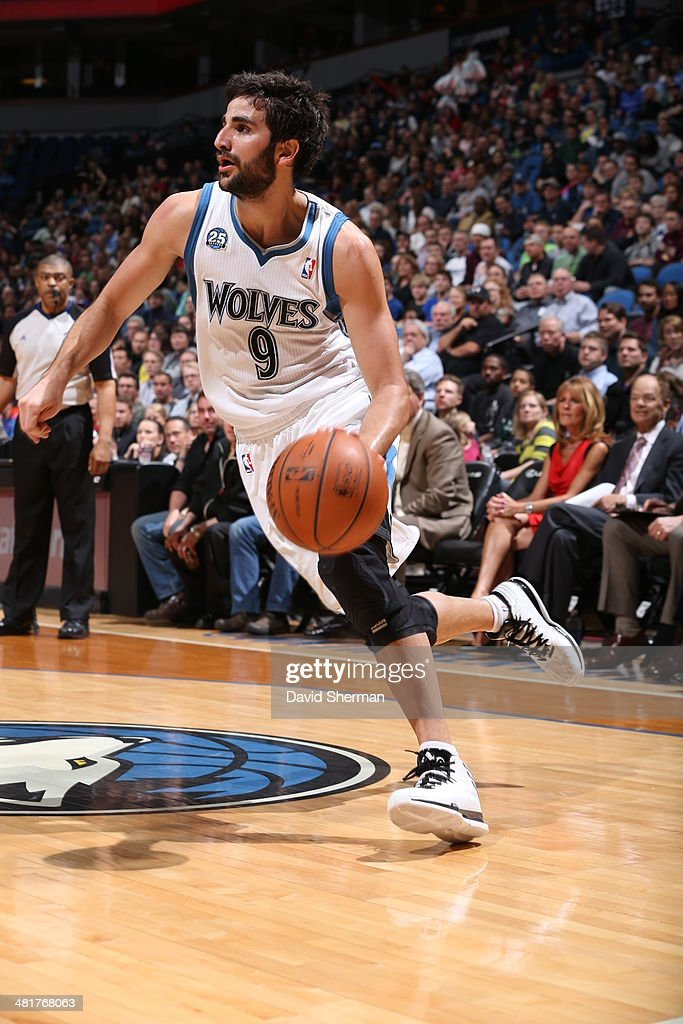 Ricky Rubio #9 of the Minnesota Timberwolves drives to the basket against the Los Angeles Clippers on March 31, 2014 at Target Center in Minneapolis, Minnesota.