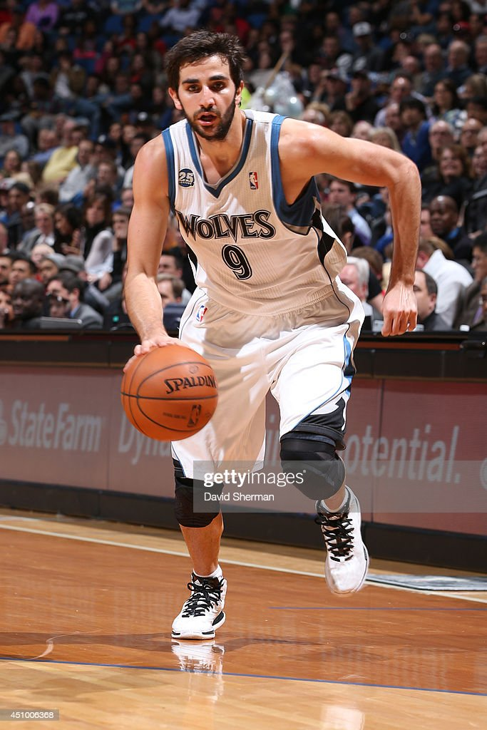 <a gi-track='captionPersonalityLinkClicked' href=/galleries/search?phrase=Ricky+Rubio&family=editorial&specificpeople=4028920 ng-click='$event.stopPropagation()'>Ricky Rubio</a> #9 of the Minnesota Timberwolves handles the ball against the Los Angeles Clippers on March 31, 2014 at Target Center in Minneapolis, Minnesota.